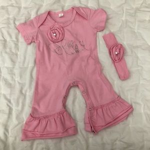 """NWT Baby Girl """"Hello World"""" Pink Outfit with Bow"""